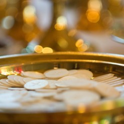 communion-519578_1280