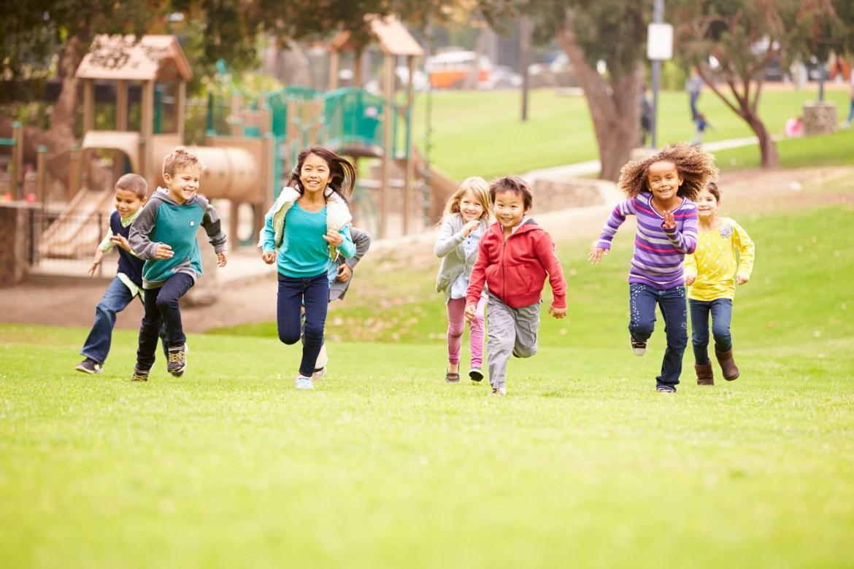 6 reasons children need to play outside - Harvard Health Blog - Harvard  Health Publishing
