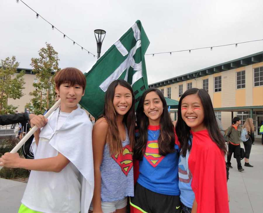 Jiyong+Shim%2C+Carolyn+Shan%2C+Anoushka+Tambay+and+Sophie+Chen%2C+freshmen%2C+get+ready+for+brunchtime+cheer-offs+during+Homecoming+Week.