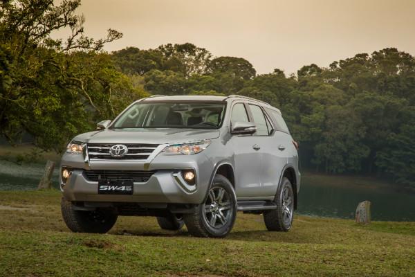 hi-mundim-Toyota SW4 Flex-frente