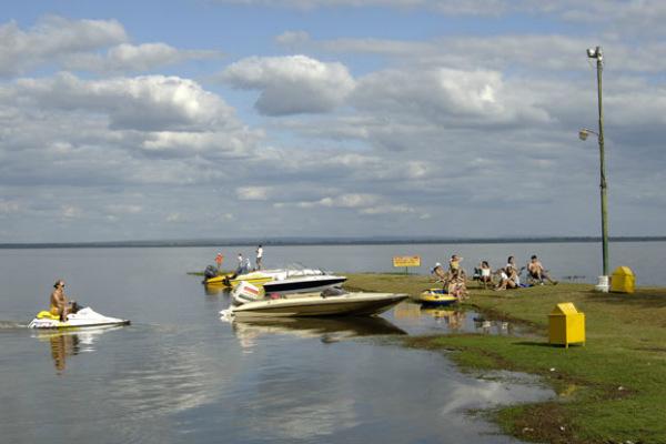 Pesca de dourado no rio (Foto: WelcomeArgentina)