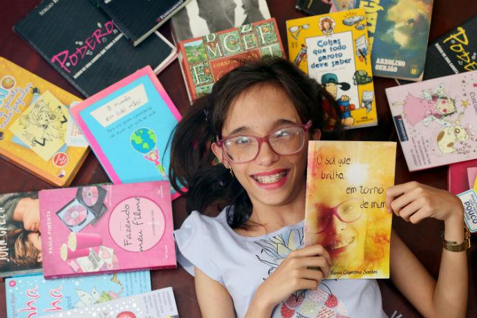 Helô lança seu livro no Riopreto Shopping