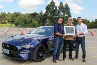 Primeiro novo Ford Mustang foi comprado por cliente de São José do Rio Preto, SP