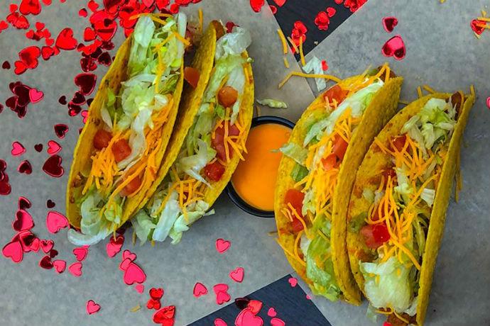 Tacos fazem parte do cardápio do Taco Bell