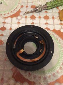 В стандартном китовом объективе Canon EF-S 18-55mm 3.5-5.6 через раз работает (не работает) фокусировка. Ремонт