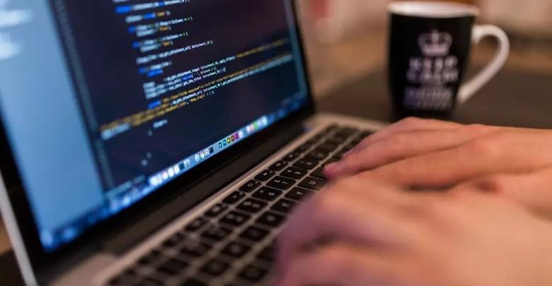 صورة ماهي لغة البرمجة و أنواع لغات البرمجة و افضل لغات البرمجة التي يجب تعلمها