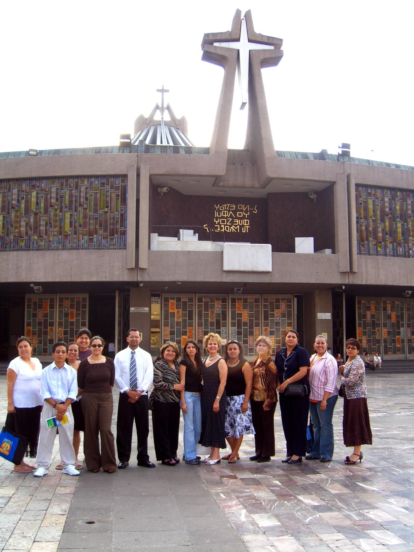grupo en Basilica 2006 047