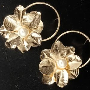 Golden Flower Earrings Pakistan