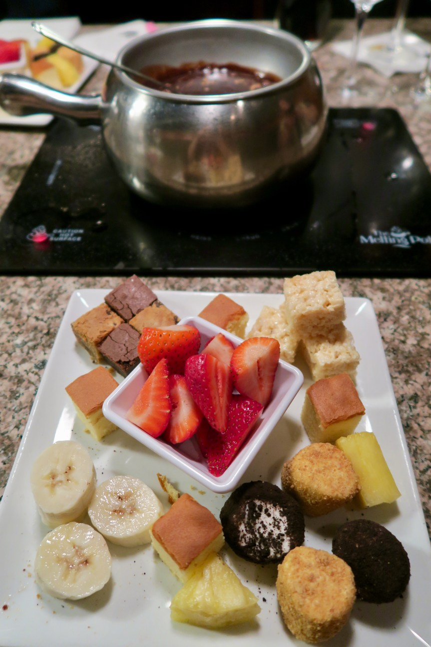 The Melting Pot - chocolate fondue with fruits/cookies