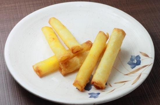 お餅とチーズの春巻き