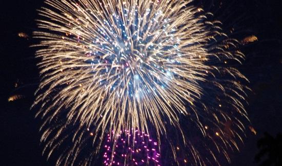 神宮外苑花火大会の軟式球場の自由席