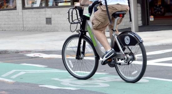 自転車の危険行為の例
