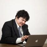 ネット上で誹謗中傷された場合の「開示請求」手続きの手順と方法