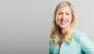 Stephanie Kalinowski Headshot