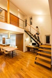 廿日市に建つ超高性能な暖かい注文住宅 リビング階段
