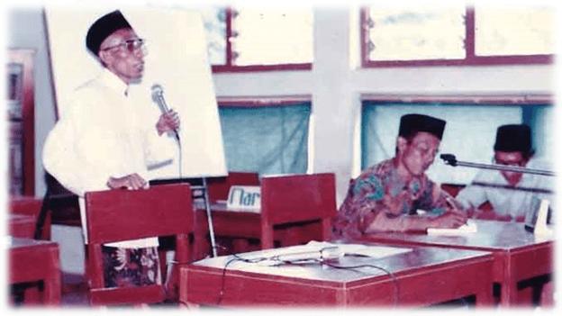Santri Kyai Sahal Mahfudh Saat Dialog Bahasa Arab