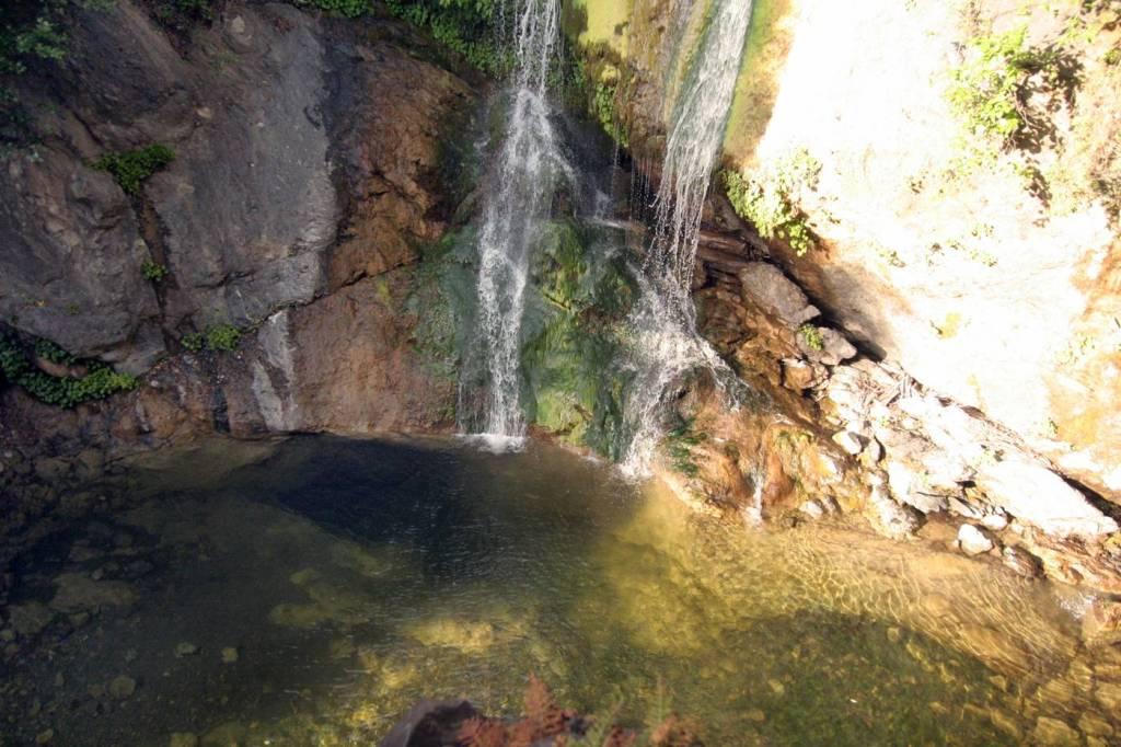Hike to a beautiful waterfall & cave in Big Sur: Salmon Creek Falls