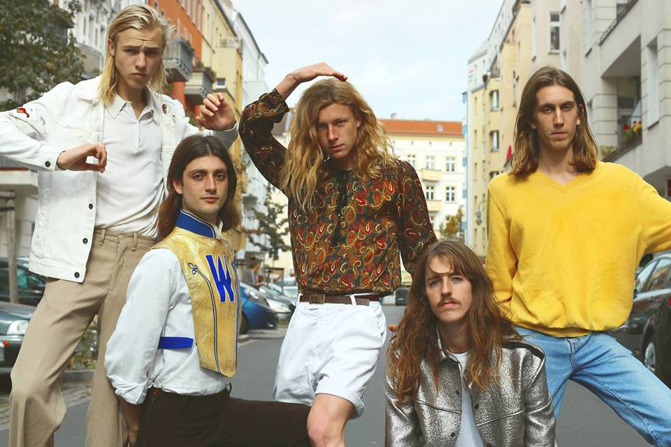 Press photo of Parcels for new single 'Gamesofluck' featured on Hidden Herd new music blog