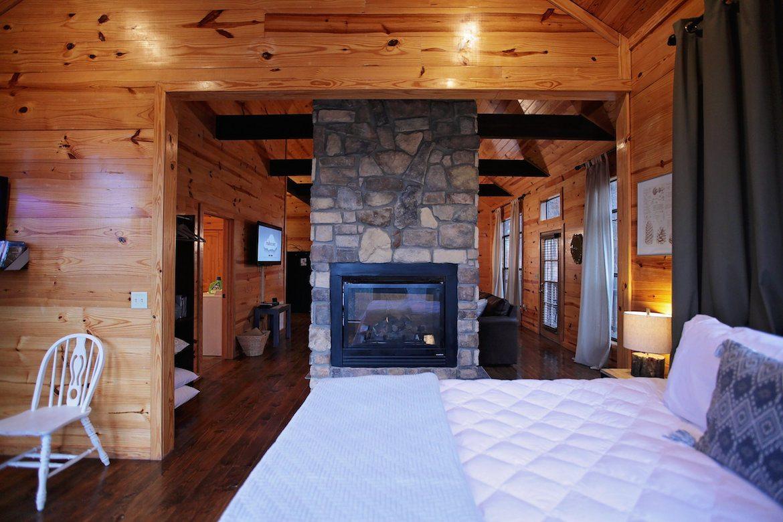 Mount Mystic Cabin in Broken Bow OK  Studio Sleeps 2