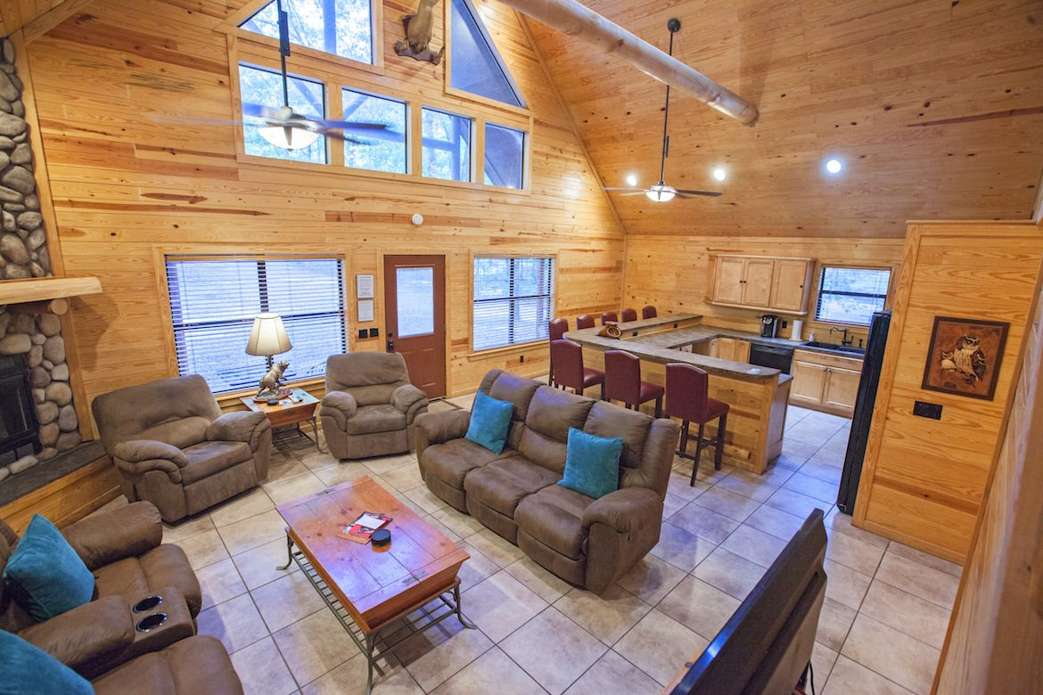 Big Bear Cabin in Broken Bow OK  Sleeps 8  Hidden Hills Cabins
