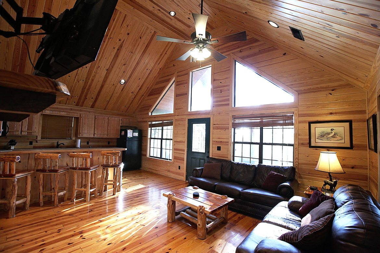 Gray Wolf Lodge Cabin in Broken Bow OK  Sleeps 4  Hidden Hills Cabins