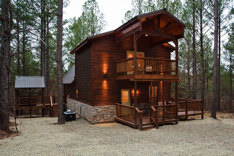 Hillside Hideaway Cabin in Broken Bow OK  Sleeps 4