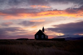 Búðakirkja Black Church at Sunset | Snæfellsnes Peninsula Tour | Hidden Iceland | Photo Dennis Stever