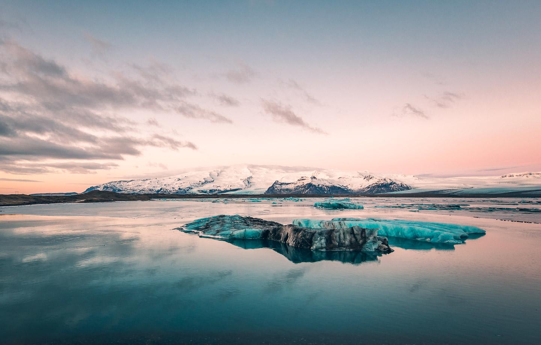 Jökulsárlón glacier lagoon & Öræfajökull in winter. Photo by Brendan Bannister. Feature