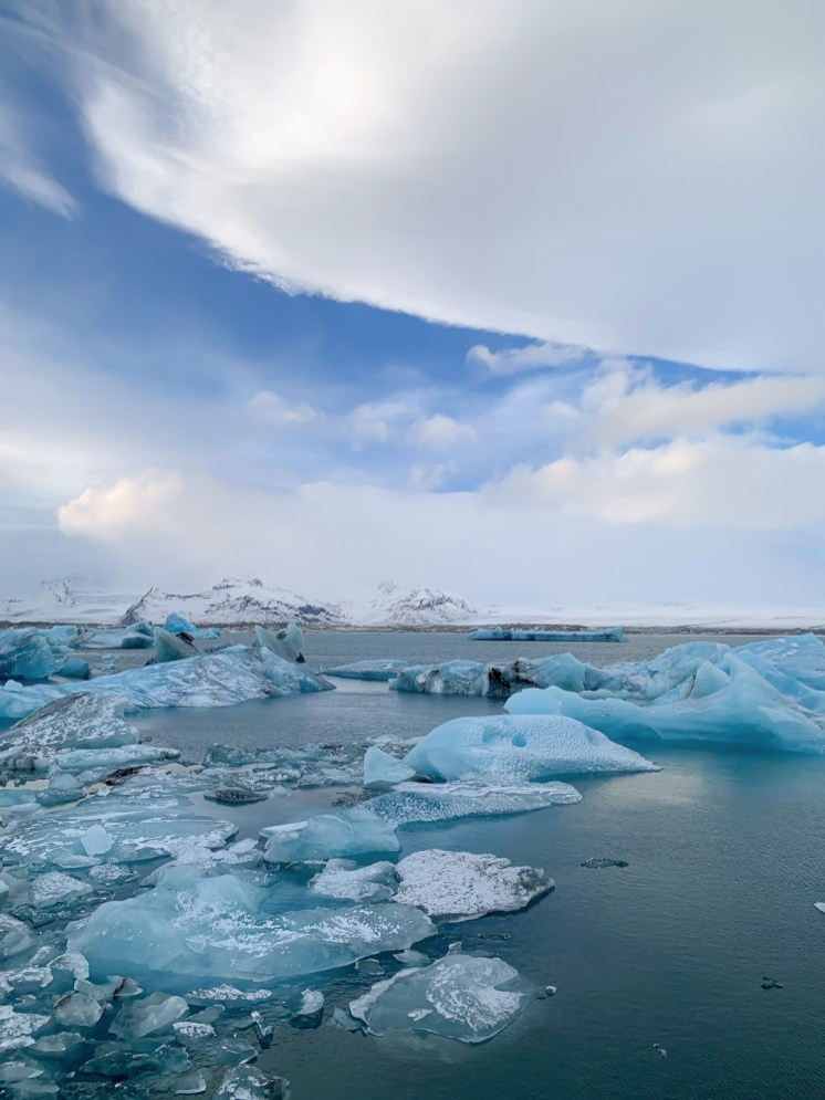 Jökulsárlón glacier lagoon in winter by Scott Drummond, Hidden Iceland.