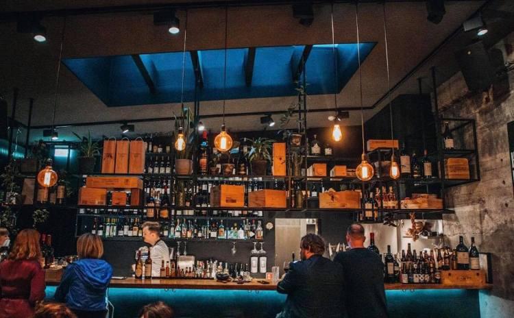 Port 9 Wine Bar