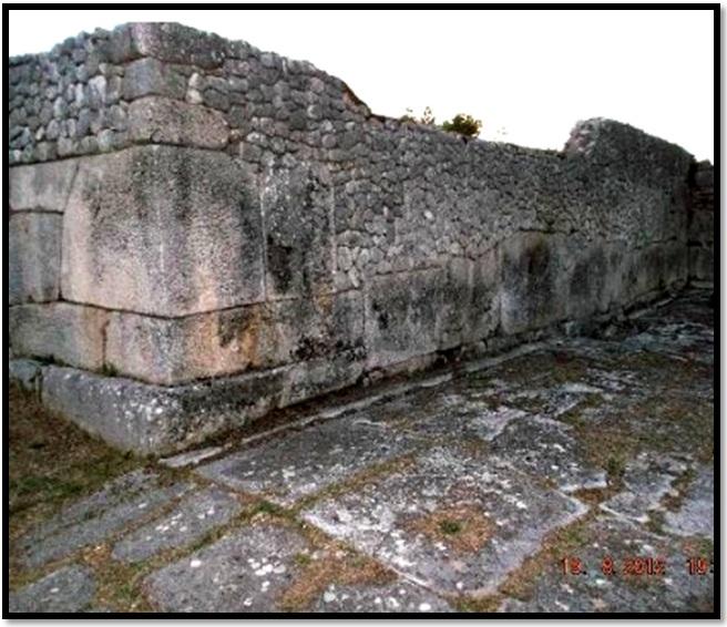 Cyclopean-Ruins-Alba-Fucens-2