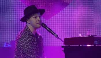 Gavin degraw making love with the radio on review See Gavin Degraw S Live Video For Making Love With The Radio On