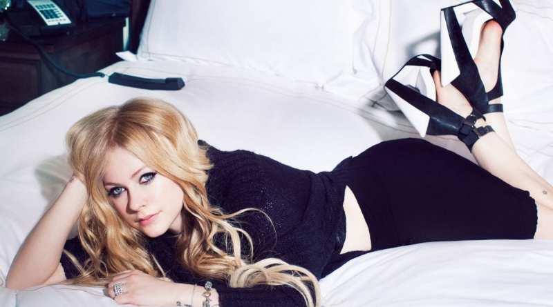 Avril Lavigne Writing Already