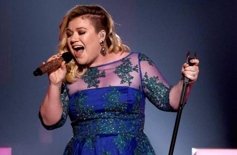 Kelly Clarkson Live Soulful Atlantic Records