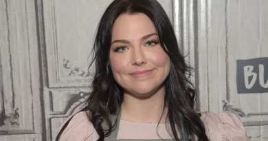 """Amy Lee Talks """"Different"""" New Evanescence Album, Solo Songs, & """"Take Cover"""""""