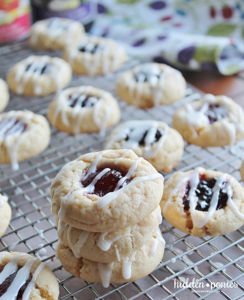 PB & J Thumbprint Cookies | hiddenponies.com