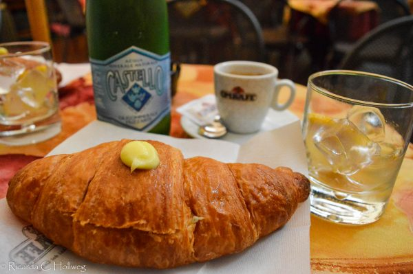 Frühstück in der Pasticceria Piva
