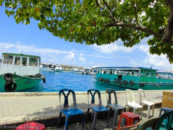 Schattiges Plätzchen in Malé