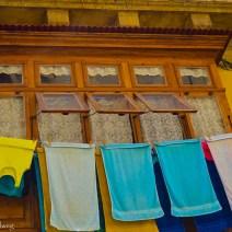 Brauner Erker Valletta mit Handtüchern