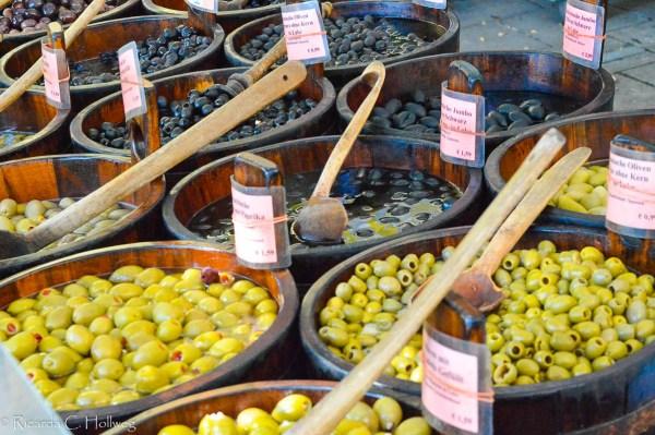 Vielfältiges Olivenangebot