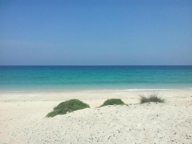 Weißer Strand im Oman