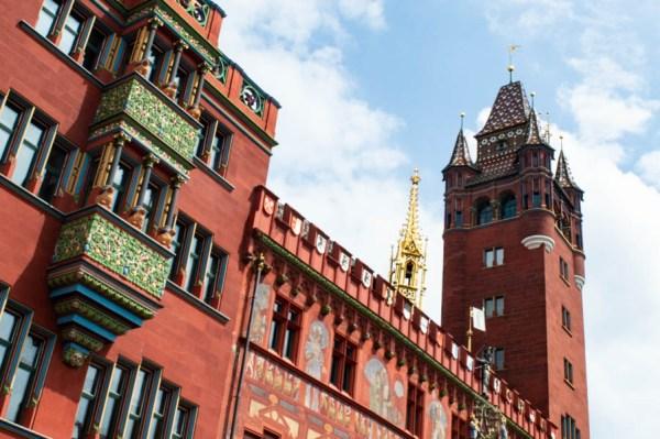 Buntes Basler Rathaus