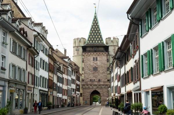 Um das Spalentor in Basel