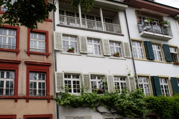 Contrasting colors in Kleinbasel