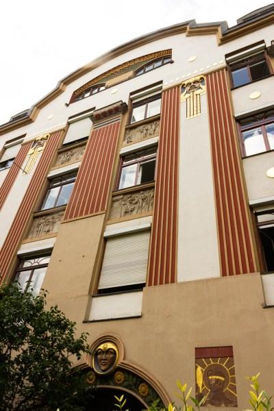 Art Nouveau Römerstrasse 15 vertical view