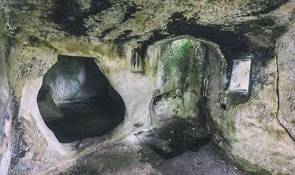 Впечатляващите пещери на древни гиганти в Румъния