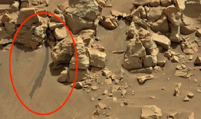 На снимка на Марс е забелязана течна вода. Защо НАСА мълчи …?
