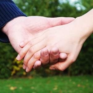 hands-269286_960_720