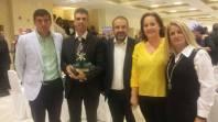 Los representantes de TAVASA con autoridades del Ayuntamiento de Casarrubios del Monte.