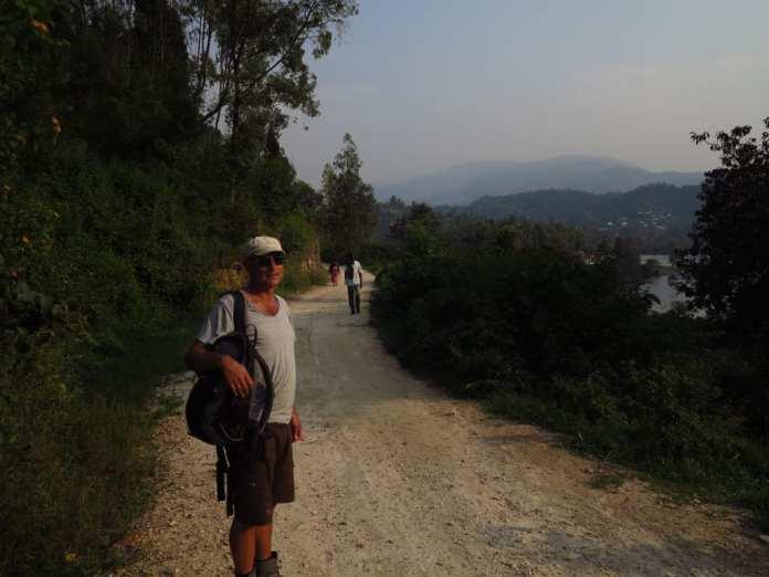 Spazierweg in Karongi am Lake Kivu in Ruanda